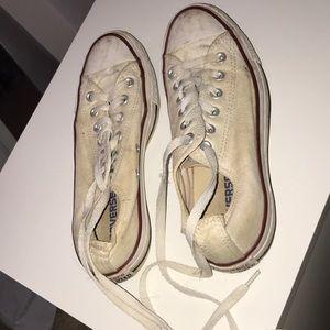 Converse Shoes - White low top converse